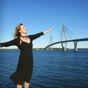Maarit Aura, mezzosopraano, esiintyjä, muusikko